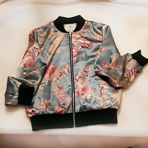 🧥Forever 21 like-new kimono style jacket